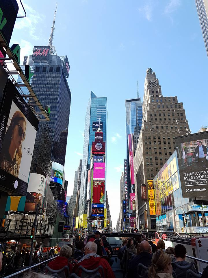 time-square-ny-by-trodge-lorenzo